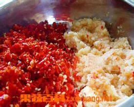 果蔬百科蒜蓉辣椒酱的做法
